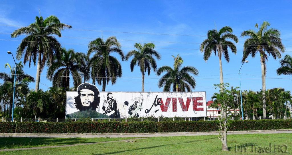 Che-Cuba-Propaganda-Billboard-1024x546